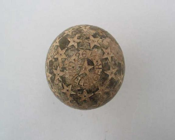 12592 Antique Golf Ball Star Challenger.