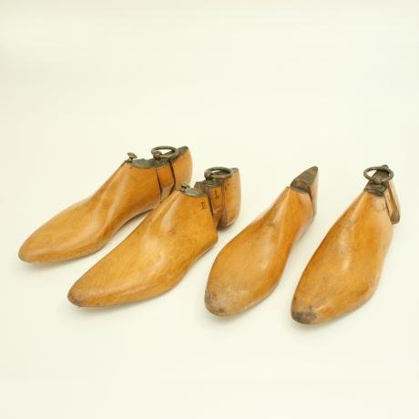 20893 Vintage Wooden Shoe Trees, Earl St....