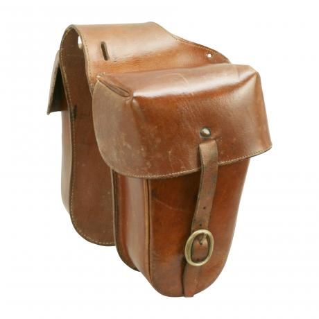 24165 Vintage leather saddle neck bags.These...