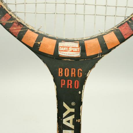 25245 Giant Donnay Borg Pro Tennis Racket.