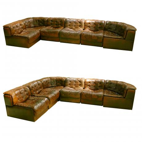 25861 De Sede Chesterfield sofa. Two corner...