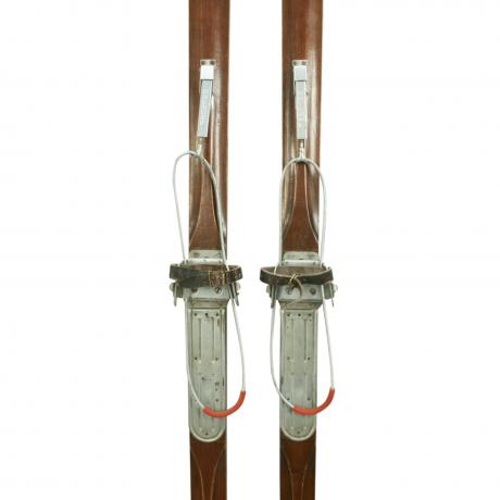 25882 Pair of Hickory / Ash Skis.