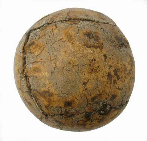 8433 Antique Feather Golf Ball, Gourlay.