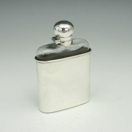26399 Gentleman\'s Hip Flask.