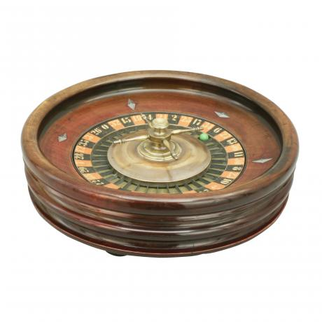 26480 Vintage Wooden Roulette Wheel.