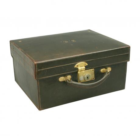 26619 Vintage Leather Travellers Case.A...