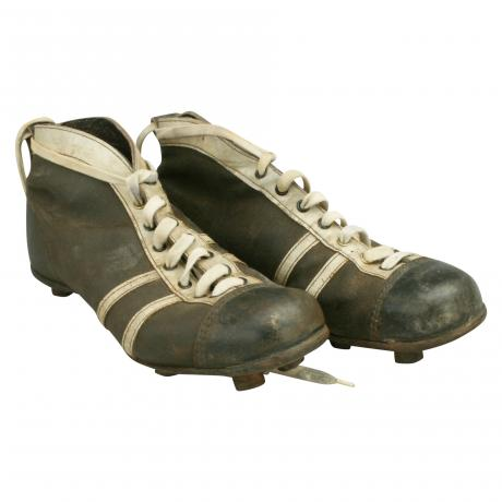 26620 Vintage Leather Football Boots.